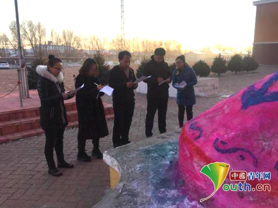 东北林业大学研支团在黑龙江省齐齐哈尔市泰来县胜利中学开展雪雕比