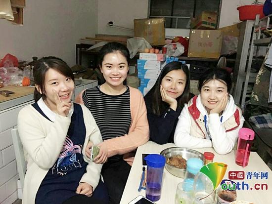 陕西师范大学第十八届研究生支教团成员合影