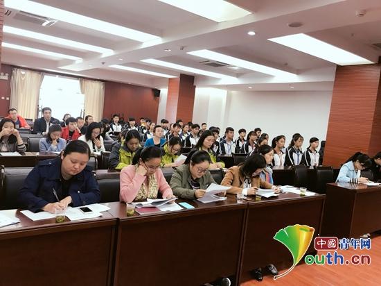 武汉理工研支团志愿服务贵州省旅游发展大会