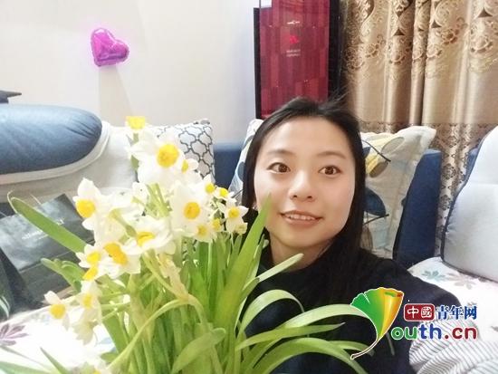 图为服务于伊吾县的西部计划志愿者王亚楠。王亚楠 供图