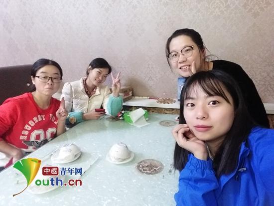 一个大学宿舍的四姐妹一起报名赴新疆参加西部计划。王亚楠 供图