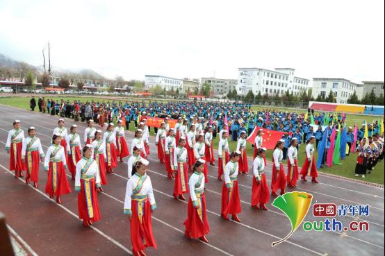 图为乃东区中学邦吉美朵民族舞蹈班参加2018年山南市第三届运动会开幕式彩排。