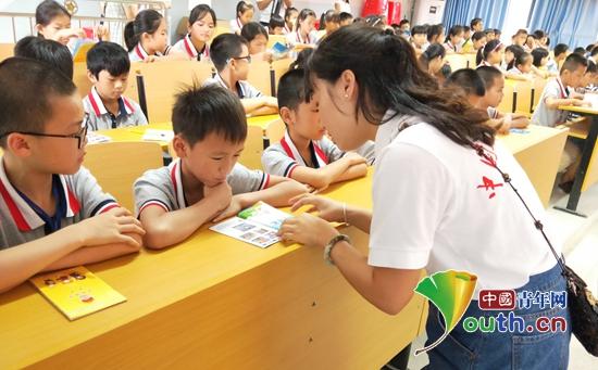 隆安县开展法治实验以案释法进高中教育郑州校园图片
