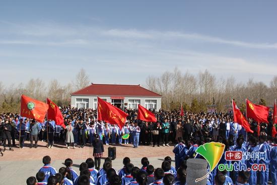 郑州大学研支团追寻英雄足迹继承遗志建设西部