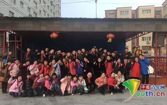 志愿者郑玉霞:92名巴郎心中最美的支教老师