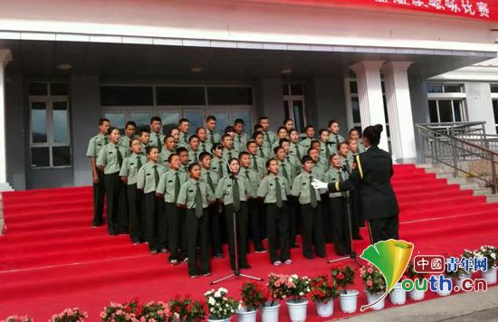 吉林大学研支团举办国庆诗文朗诵歌颂祖国