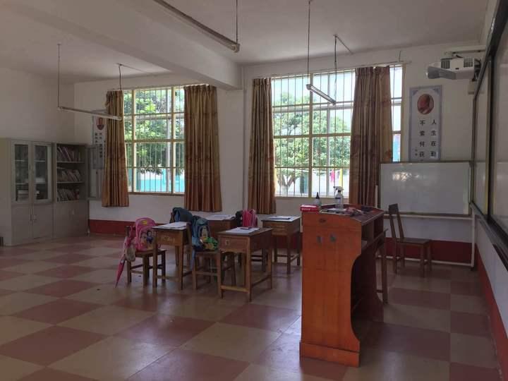 支教日记:走进乡村小学上堂趣味英语课
