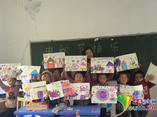 浙江理工大学研究生支教团指导和平彝族乡流黄水小学