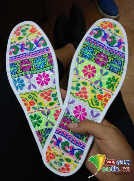 家访纪实:鞋垫里的温情